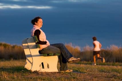 sitting-park-bench-jogger