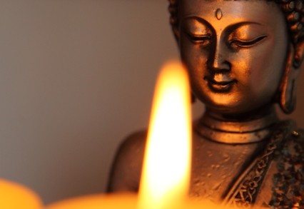 candle-and-buddha