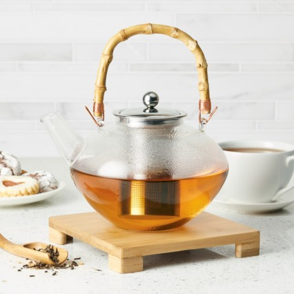 clear tea pot